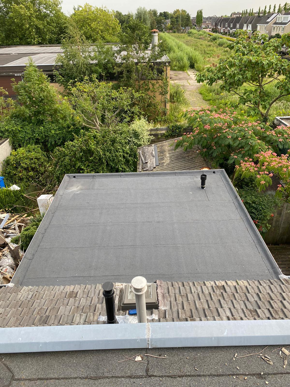 Den Haag - Lekkage herstel / verwijderen grind / vervangen lood en overlagen dak met bitumen