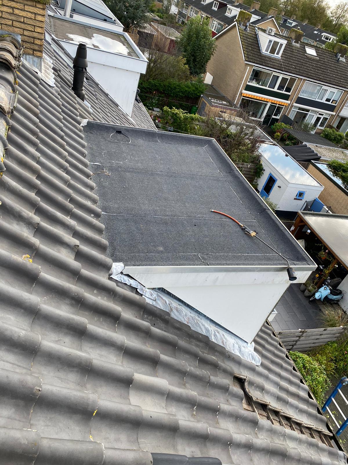 Hazerswoude Rijndijk - Dakkapel lekkage herstel door middel van nieuwe dakbedekking